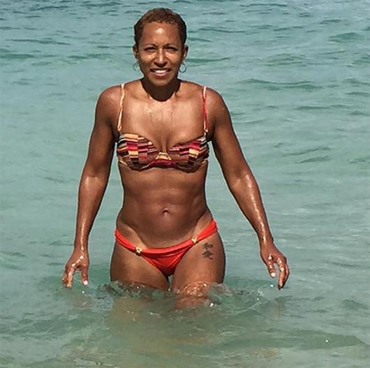 Фото тещи в купальнике фото 460-930
