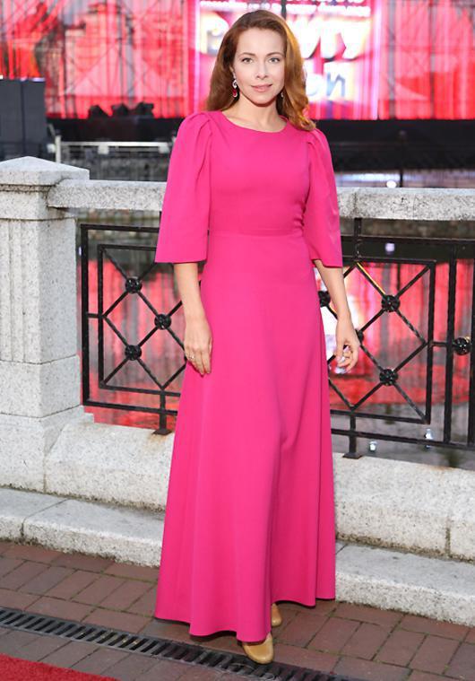 Гусева екатерина в платье фото