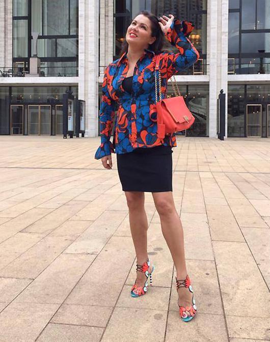 Анна Нетребко удивила своей фигурой - Звезды - WomanHit.ru