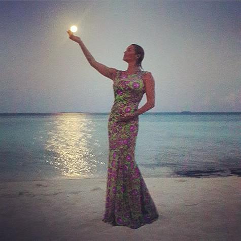 volochkova-fotosessiya-na-maldivah-golaya