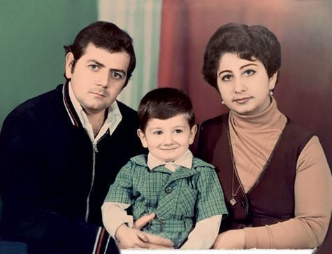 «Мои родители мечтали, чтобы я был не КВНщиком, а нефтяным магнатом». Фото: личный архив Михаила Галустяна.
