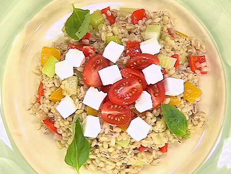 Перловая каша с овощами и сыром «Фетаки». Фото: материалы пресс-служб.