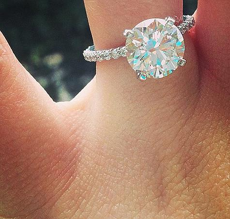 17f977478898 Помолвочное кольцо Джейми Линн Спирс. Фото  Instagram.com jamielynnspears.