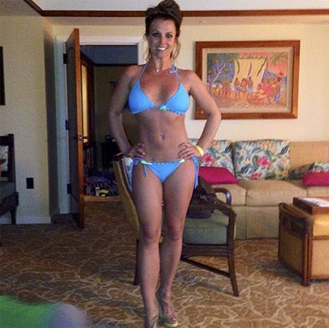 Бритни Спирс показала фигуру - Звезды - WomanHit.ru бритни спирс инстаграм
