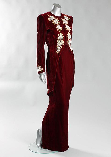 Платья принцессы Дианы ушли с молотка за миллион долларов (фото)