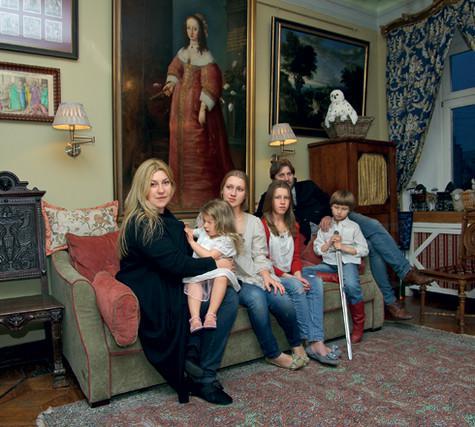 У Глазуновых четверо детей – Оля, Глаша, Федя и Марфа. В детской. Фото: Владимир Чистяков.