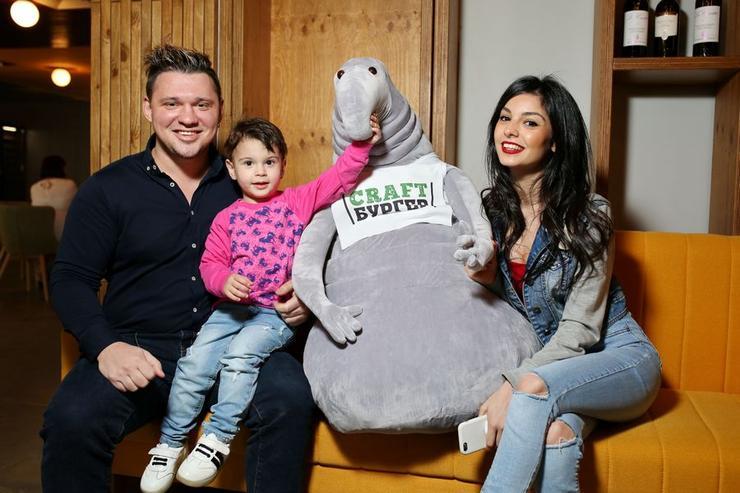 Алексей кабанов и его жена и ребенок фото