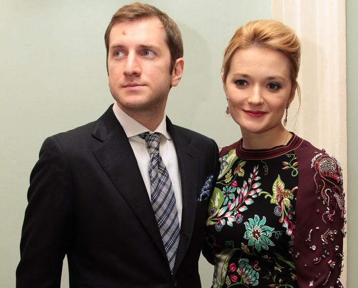 Суд расторг венчаный брак Резо Гигинеишвили иНадежды Михалковой
