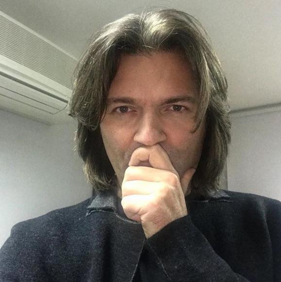 Почему Маликов удалил пост окончине Хворостовского