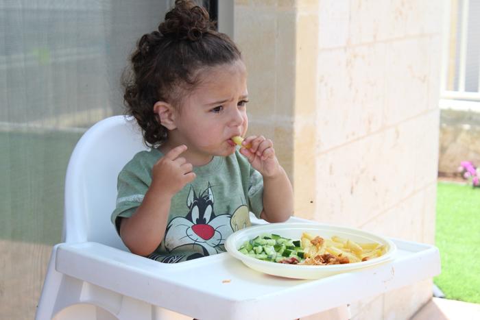 Советы гастроэнтеролога: чем кормить ребенка при диарее