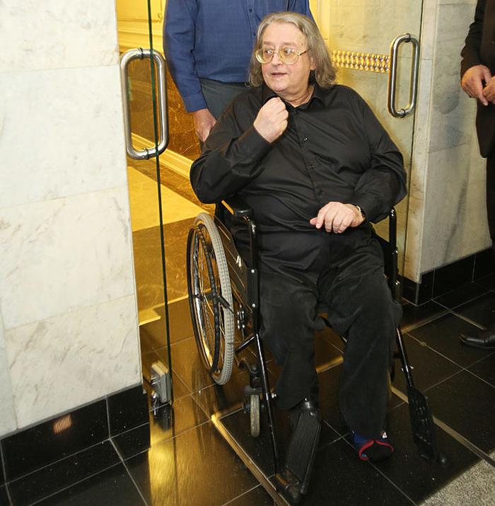 Наюбилейный концерт Кобзона Градский прибыл винвалидном кресле