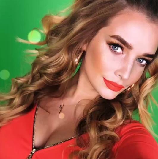 «Мисс Россия-2006» обнажилась для подписчиков