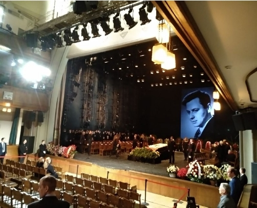 Прощание сОлегом Табаковым: кто пришел почтить память артиста